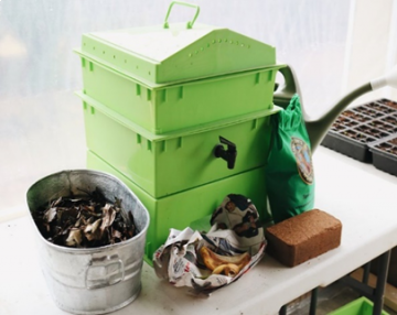 Worm Live Casting / Composting Bin 3 Layers